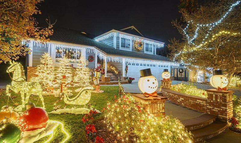 LED Christmas Lights: Illuminate Your House This Christmas Season