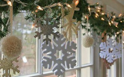 34 Ways to Decorate Your Home with Garland