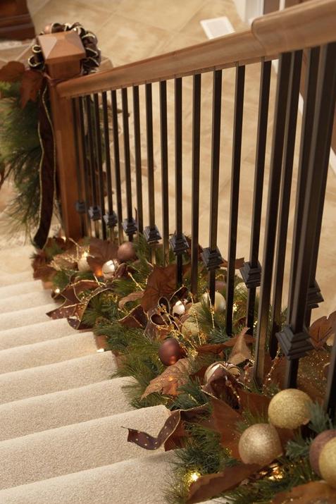 Garland stairs bottom