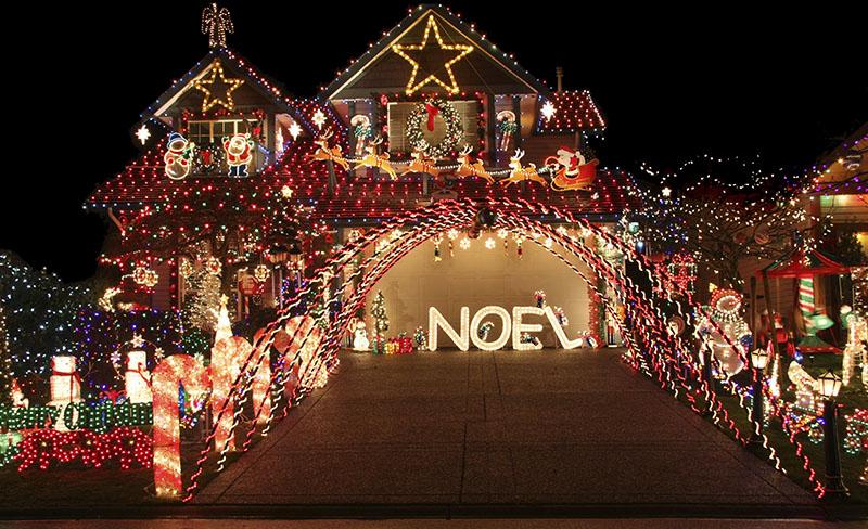 All Out Christmas Lighting