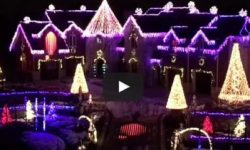The Top 10 Christmas Light Shows of 2015