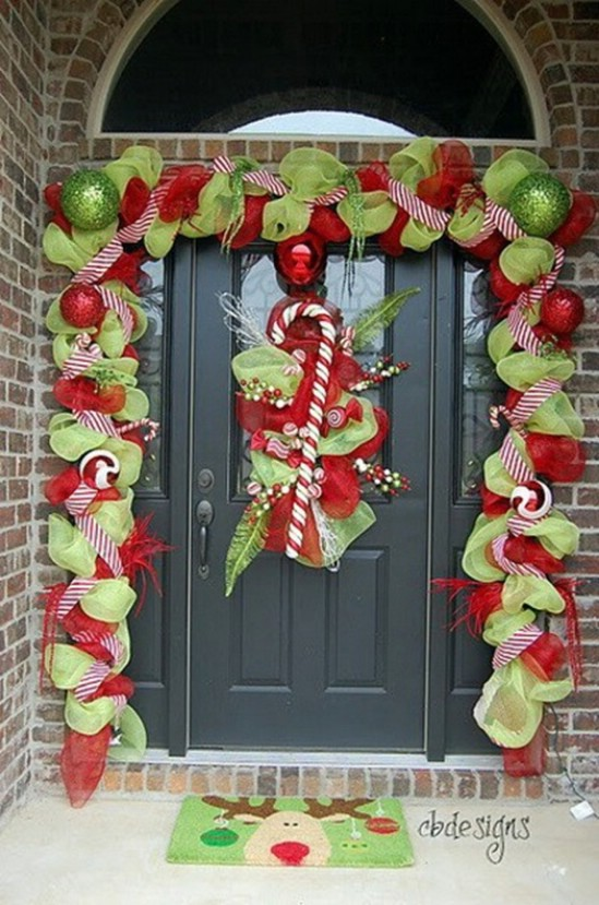 Ribbon Garland & 23 Creative Front Porch Christmas Decorating Ideas | Christmas Designers