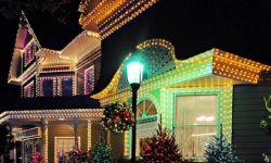 8 Tips for Hiring a Professional Christmas Light Installer