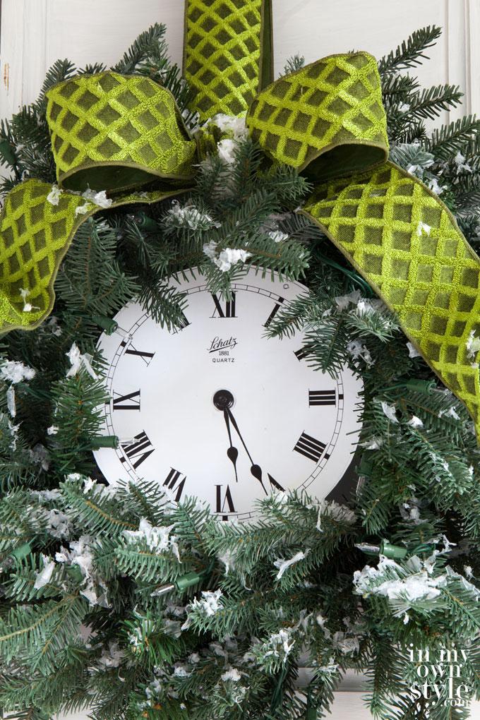 Christmas clock wreath