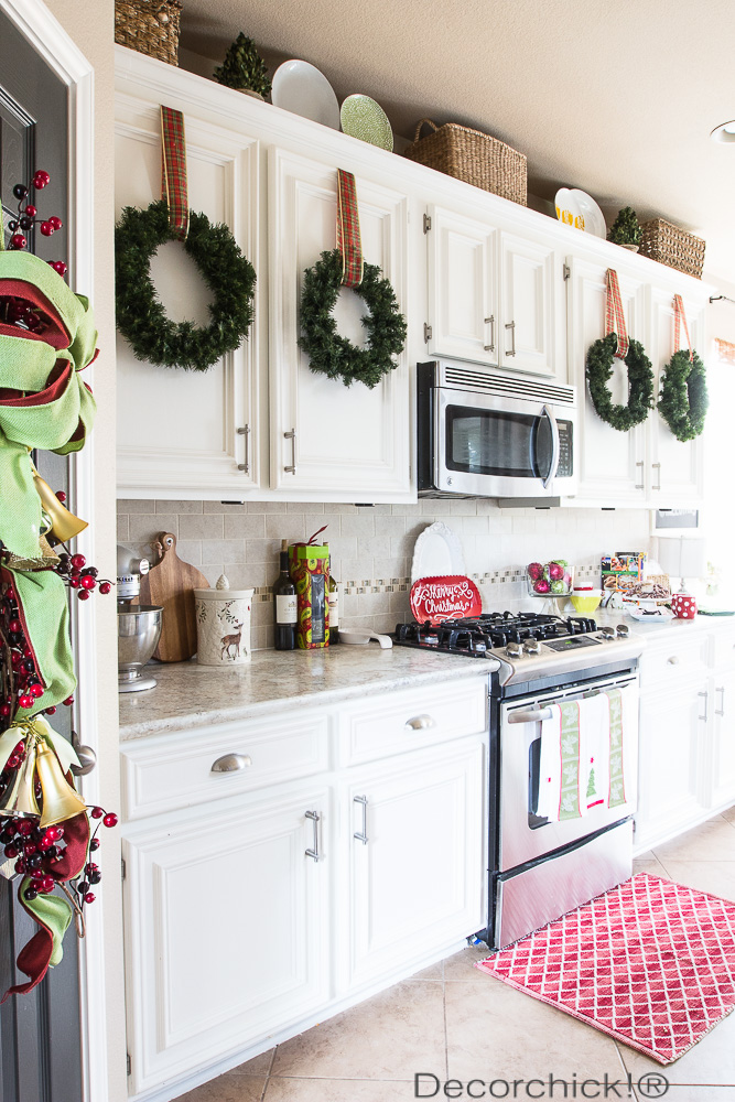 kitchen cabinet wreaths - Christmas Decorations For Kitchen Cabinets