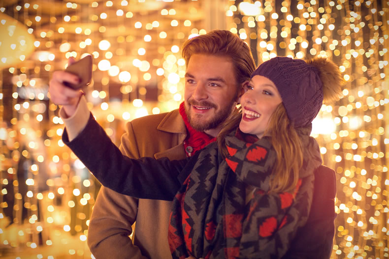Social Media Benefits of a Christmas Light Display