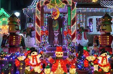 6 Common Christmas Lighting Mistakes That YOU Aren't Going to Make