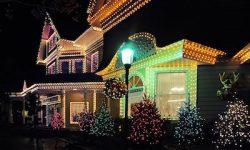 8 Tips for Hiring a Professional Christmas Light Installer