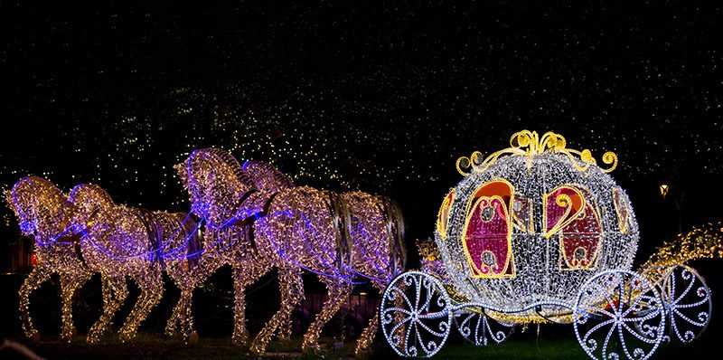 Horses pulling carriage commercial Christmas decoration