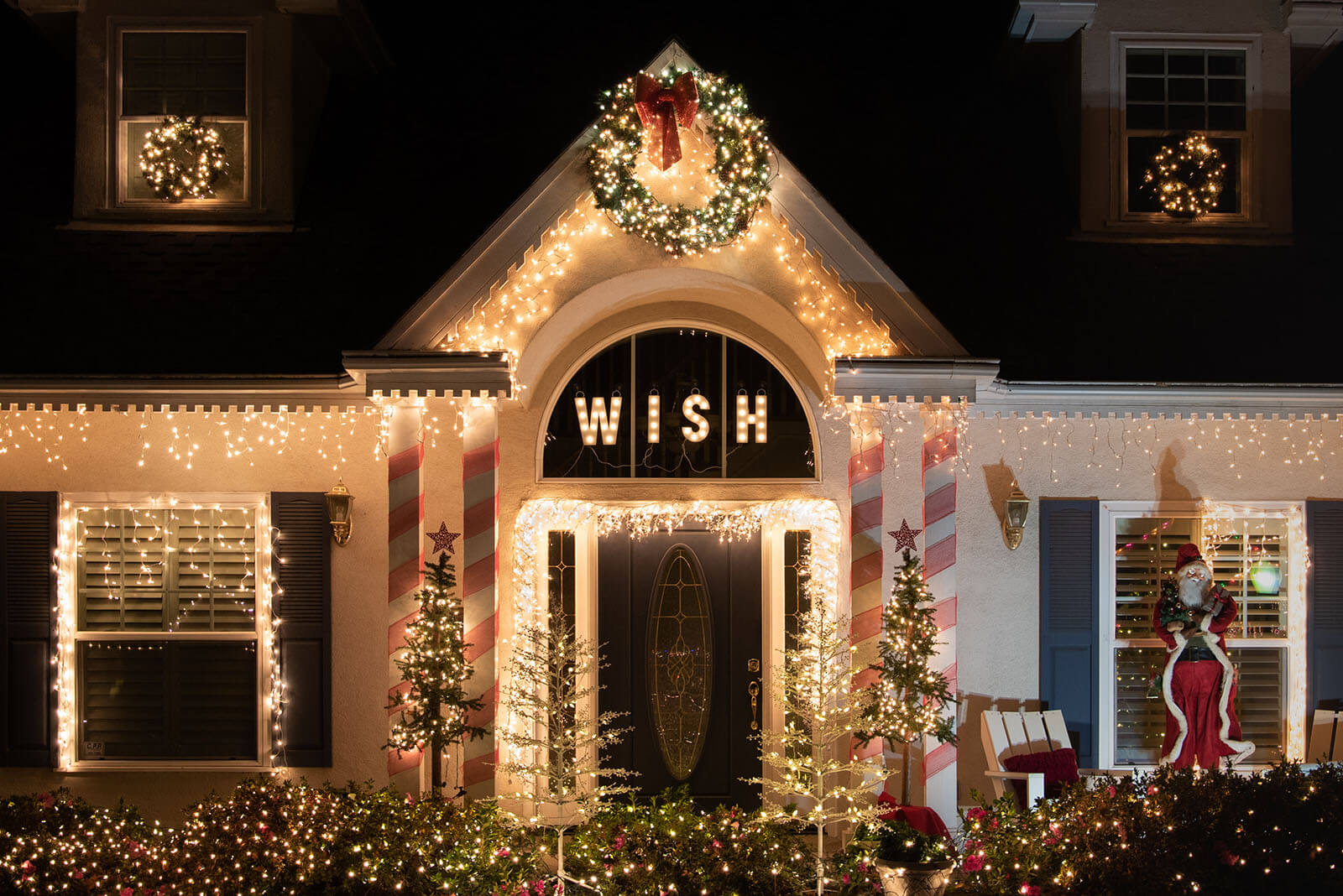 How to Plan a Spectacular Christmas Lights Display